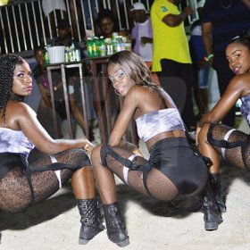 Dance fever at Bikini Sundayz (Photo highlights)