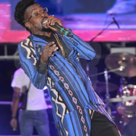 Jermaine Barnaby/Freelance Photographer Beenie Man perfoorming at the Magnum live concert held at Sabina Park on Saturday January 7, 2017.