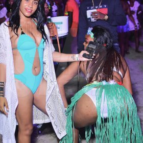 Ladies get wild at Selfie on the Beach (Photo highlights)